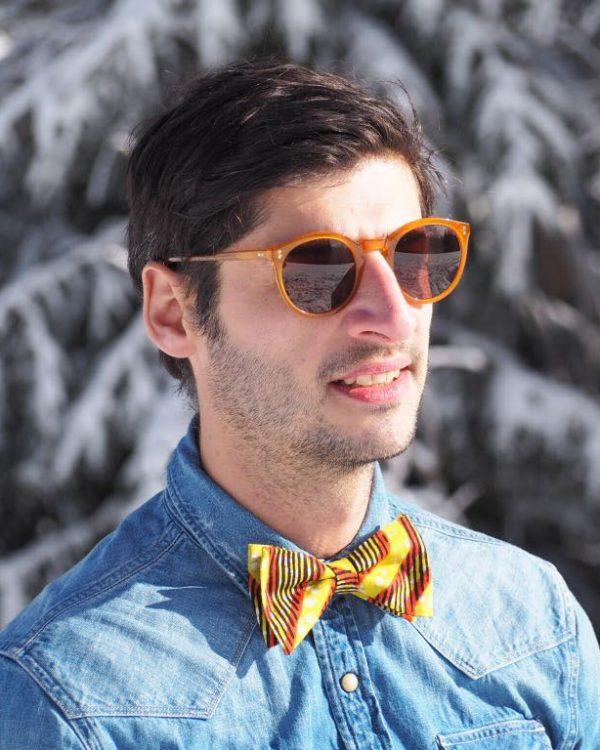 Look homme | Noeud papillon Kipé et chemise en jean