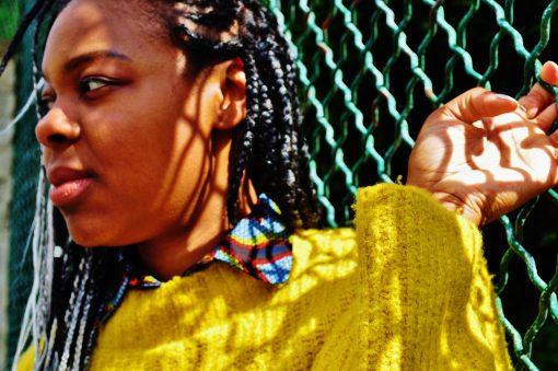 pull jaune col rond avec plastron wax kipé